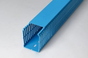 Blue GN-A6/4 cable trunking