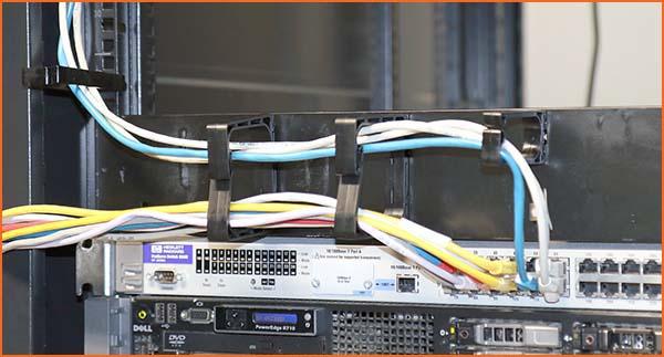 Les PLIOCATCH 1U-W et 2U-W s'adaptent aux racks informatiques