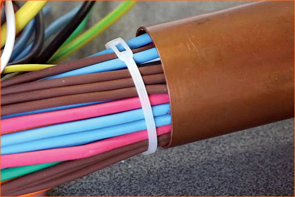 BELTO® cable tie: more cables in one volume